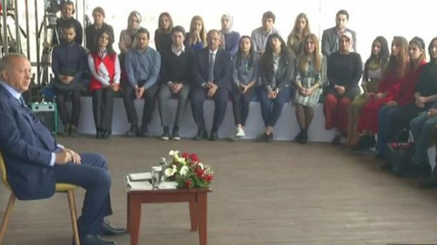 Erdoğan sosyal medyada gençlerin sorularını yanıtladı