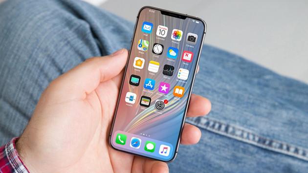 Apple'dan iPhone XE modeliyle ucuz telefon hamlesi