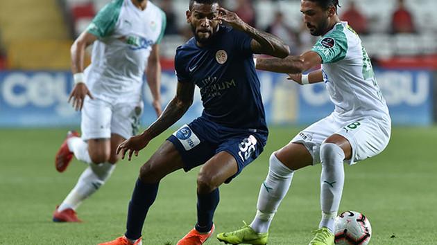 Bursaspor ligde tutunmayı başardı