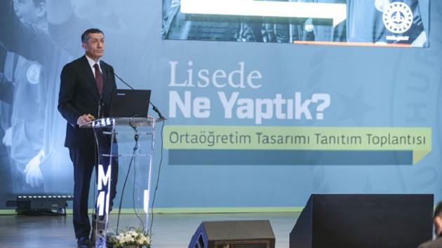 Milli Eğitim Bakanı Selçuk yeni eğitim sisteminin detaylarını anlattı: Ders sayısı düşüyor