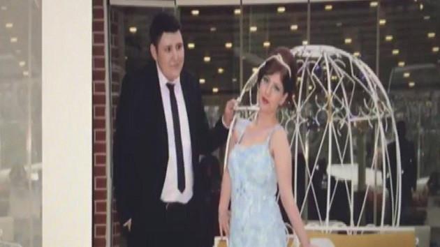Çiftlik Bank'ın Tosun'undan eşine romantik klip