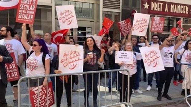 New York'taki Türk Günü'nde her şey çok güzel olacak gerginliği