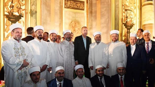 Erdoğan: Burası İstanbul, diğer adıyla İslambol ama Konstantinapol olarak görmek isteyenler var