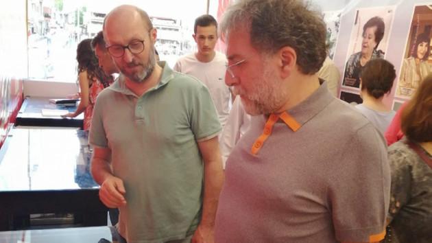 Ahmet Hakan Atatürkçü Düşünce Derneği tırını ziyaret etti sosyal medya karıştı