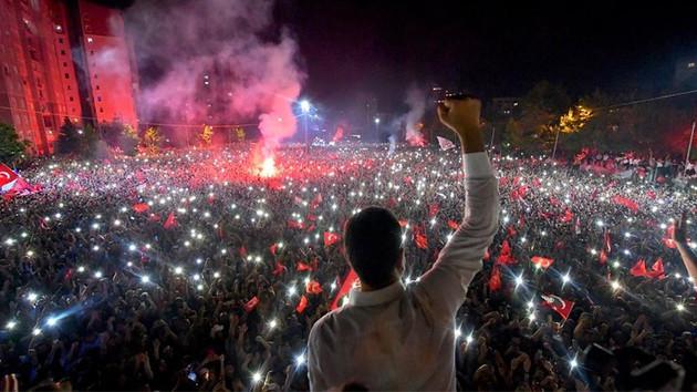 Financial Times, Fatih'te seçim analizi yaptı