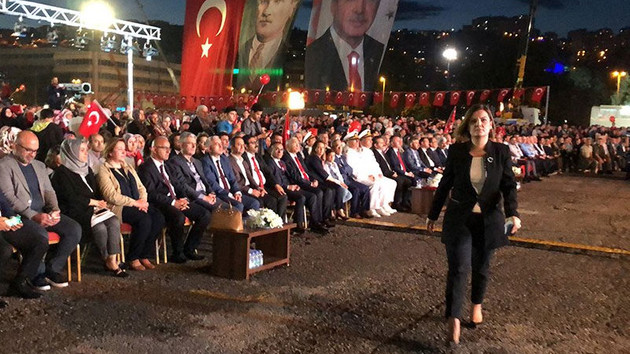 Erdoğan'ın o sözleri üzerine alanı terk ettiler