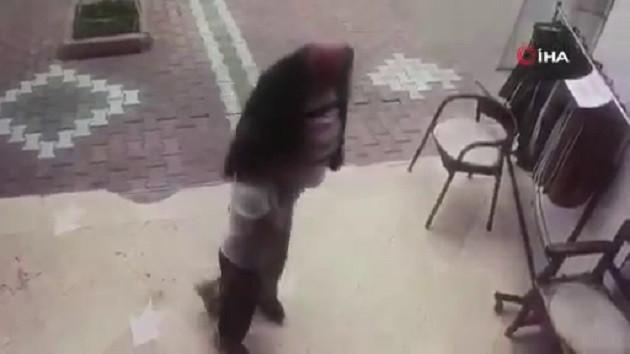 İğrenç olay! 82 yaşındaki adam küçük kızı taciz etti
