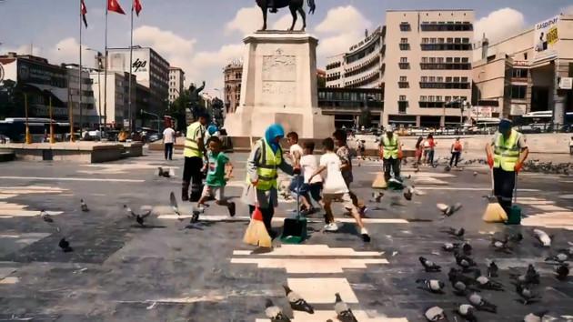Ankara'da belediyenin bayram kutlamasına beğeni yağdı!