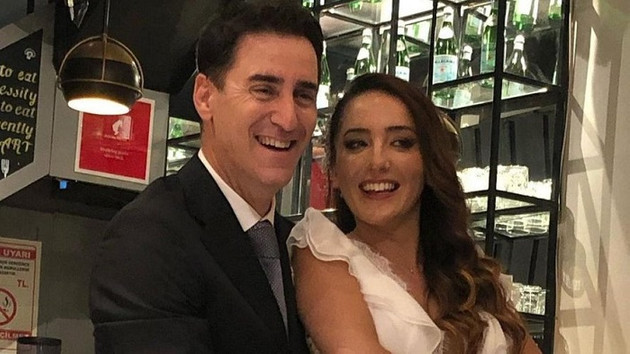 Bekir Aksoy Nazife Oğlakçıoğlu ile evlendi