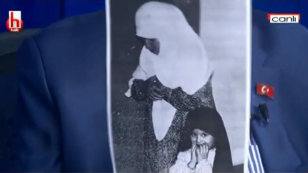 Okuyan, kaset polemiğine annesinin fotoğrafıyla yanıt verdi!