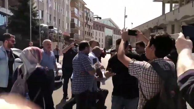 AKP önünde eylem yapmak isteyen KHK'lı Yıldırım yine gözaltına alındı
