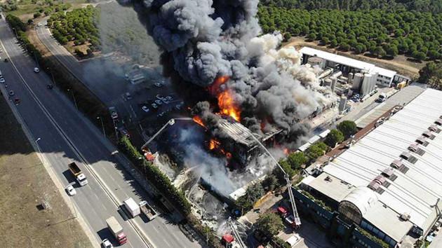 AFAD'dan Tuzla'daki yangın hakkında flaş açıklama