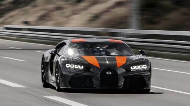 Yarışçı Andy Wallace Bugatti Chiron ile saatte 489 km'ye çıktı