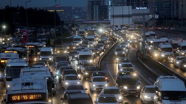 İstanbul'da mesai çıkışı trafik yoğunluğu %80'i aştı