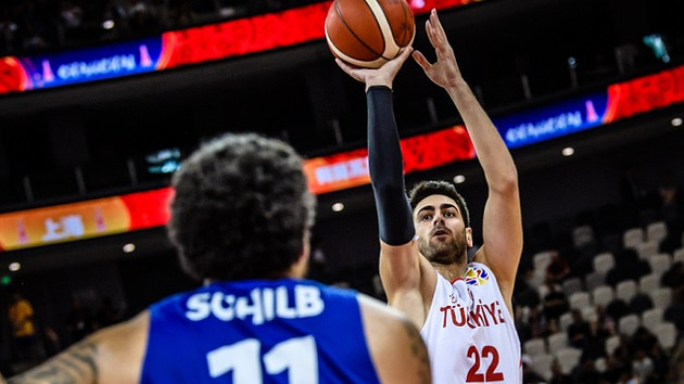 12 Dev gruptan çıkamadı! Türkiye Çekya 76-91