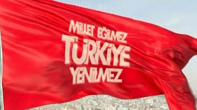 AKP'nin bayraklı reklamı değişti..