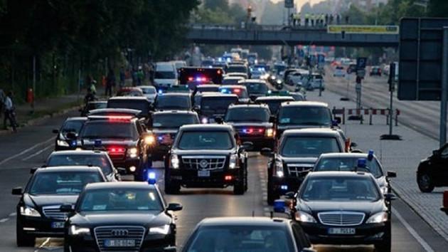 Davutoğlu'nun konvoyunda feci kaza