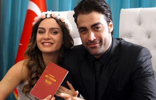 Резултат с изображение за birce akalay ve sarp levendoğlu