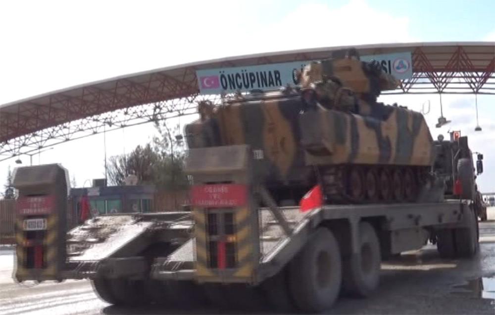 TSK'dan Afrin'e zırhlı birlik sevkiyatı