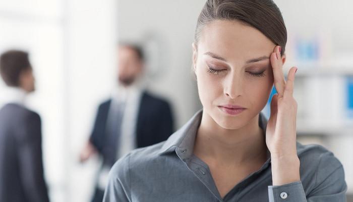 Halsizlik, baş dönmesi, kulak çınlamasının nedeni demir eksikliği