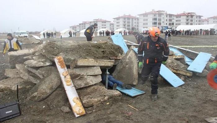 Erzincan, 1939 depreminin yıldönümünde sallandı