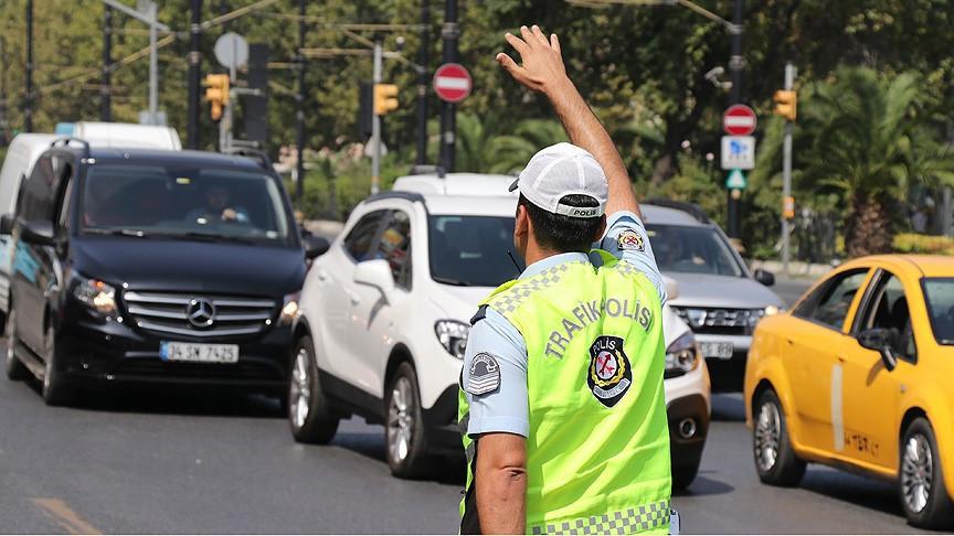 Saadet Partisi'nin yürüyüşü: İstanbul'da bazı yollar kapalı