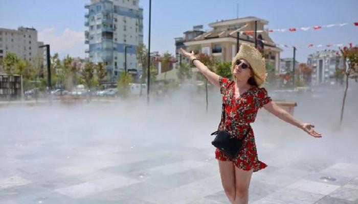 Sahilde açık hava klima alanı tatilcilerin ilgi odağı oldu