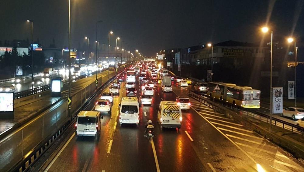 E-5'in trafik yoğunluğu yüzde 69'a ulaştı