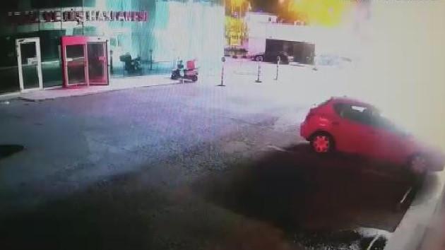 Sancaktepe'de pompalı tüfekle vurduğu eşini hastane önüne bıraktı