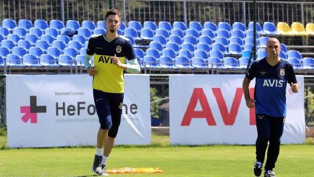Fenerbahçe'de yeni transferler antrenmana çıktı