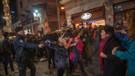 Taksim'deki kadınlar yürüyüşüne sert müdahale