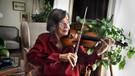 Devlet sanatçısı Suna Kan'ın huzurevinde yaşaması tartışma yarattı