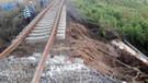 Tren faciası geliyorum diyor: Kırklareli'de tren hattında menfezin altı balçıkla doldu