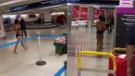 Miami Havalimanında çıplak kadın yolcu şoku