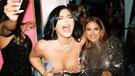 Yılbaşında alkolü fazla kaçıran Kylie Jenner'ın göğüs dekoltesiyle imtihanı