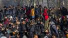 Yunanistan sınırda kuş uçurtmuyor! Mülteciler buharlaştı mı?