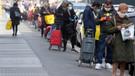 Karantina altındaki İtalya'da devletten halka acil gıda yardımı