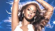 İnanılmaz sahne kazası!!! Dünyaca ünlü pop yıldızı Beyonce sahnede tepe takla yere işte böyle düştü!!!VİDEO