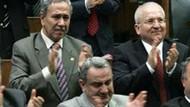 Erdoğan konuşurken Bülent Arınç hüngür hüngür ağladı!!! Peki neden?