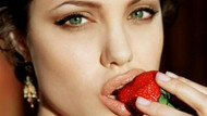 Angelina Jolie'nin yeni bir kaçamağı ortaya çıktı!