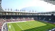 Stadyumda bomba şoku! Stad zemininde patlamamış 18 bomba bulundu!