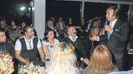 Cemil İpekçi, sevgilisi Bekir Coşar ve eşiyle eğlencede!