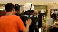 Polis otele girip eylemcilerin maskelerini çıkarttı!