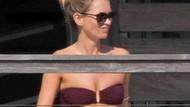 Kate Moss balkonda böyle yakalandı!