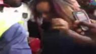 Mini etekli kadına saldırıp, çırılçıplak bıraktılar!