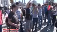 Çoluk çocuk film gibi Taksim'i izlediler!