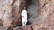 Hz. Muhammed'in sığındığı mağaraya beton döktüler!