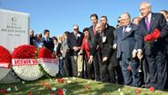 Kılıçdaroğlu, Ecevit'i mezarında andı