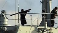 Füze gösteren gemi yeniden Boğaz'da