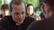 Papa, hayatını anlatan filmin galasına yoksulları davet etti